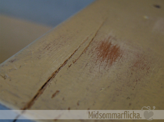Upcycling an Old Drawer to Shelf « Midsommarflicka | So, it was weekend. And I was bored.