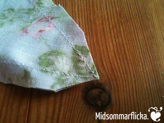 sewing a bunting « Midsommarflicka   So, it was weekend. And I was bored.