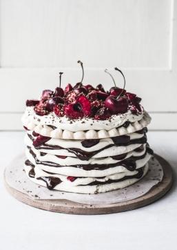 Chocolate-Cherry-Meringue-Cake-001